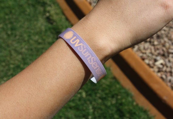 UVSunSense Wristband | Incredible Things :  outdoors summer 800
