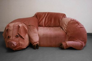 [Image: Domestic-Pig-Couch-Sculpture-300x200.jpg]