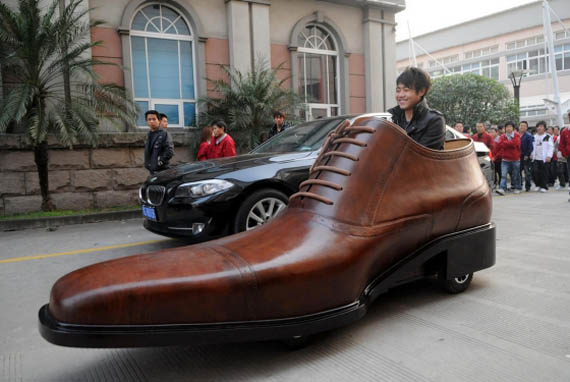 NEWS HUB | Shoe Company Steps Up Their Marketing with the Giant Leather Shoe Car