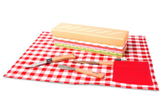 VERY Misleading: Sandwich Kit