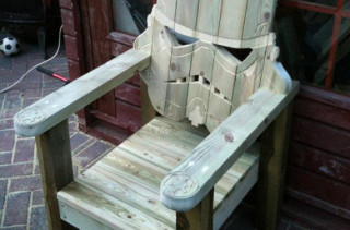 DO WANT: Storm Trooper Lawn Chair