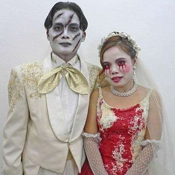 http://www.incrediblethings.com/wp-content/uploads/2012/06/zombie-wedding.jpg