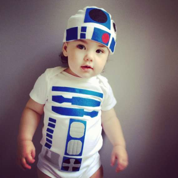 This R2-D2 Onesie Is 2-CUTE