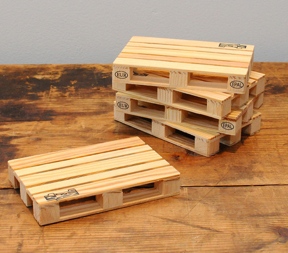 Pallet coasters incredible things for Making things with wooden pallets