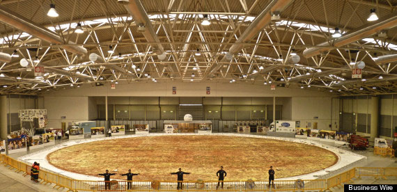 The World's Largest Pizza Is Ginormous