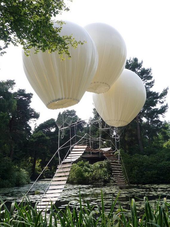 floating-bridge-balloon-2