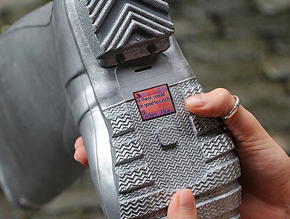 shoe-handsets3