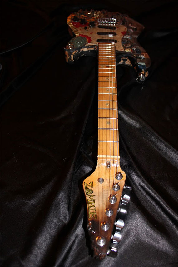 zombie-guitar-3
