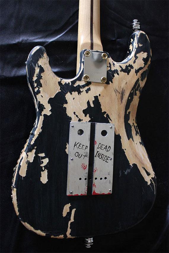 zombie-guitar-5