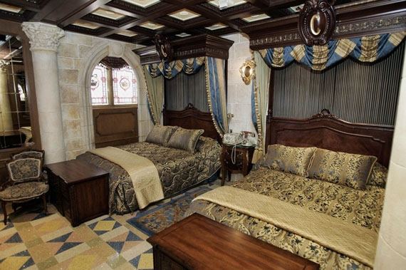 exclusive-hotel-room-disney-cinderella-castle-3