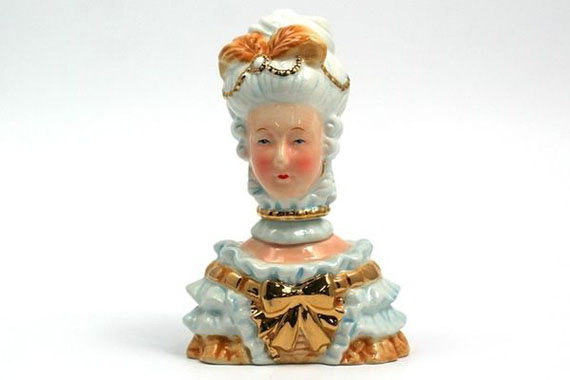 marie-antoinette-salt-and-pepper-shakers-2