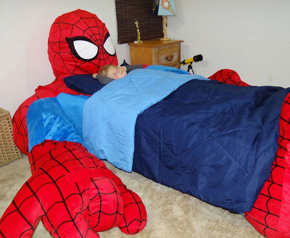 i 39 d never get out spider man bed incredible things. Black Bedroom Furniture Sets. Home Design Ideas