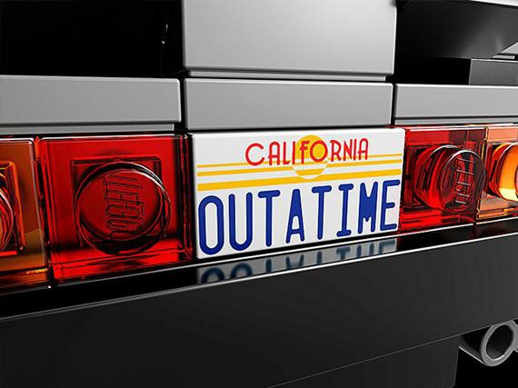 LEGO-Back-to-the-Future-DeLorean-3