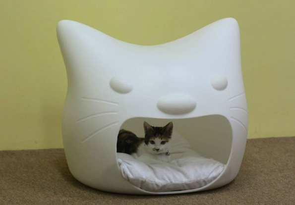 Kitty-Meow-Cat-Bed-2