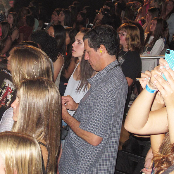 dads-at-one-direction-concerts-2