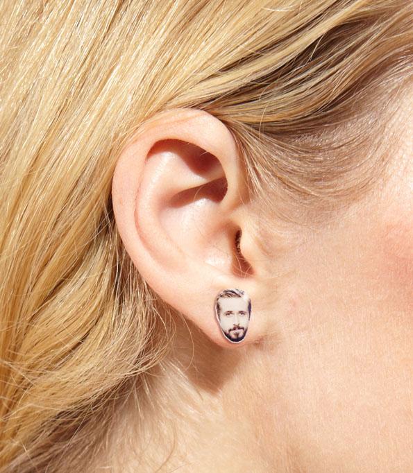 ryan-gosling-earrings-2
