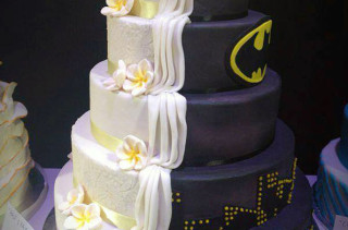 1/2 Batman 1/2 Regular Wedding Cake