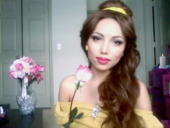 Girl Transforms Herself Into Disney Princesses : Incredible Things
