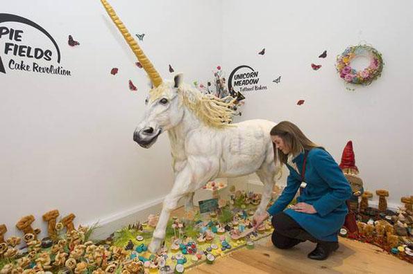 life-size-unicorn-cake-3