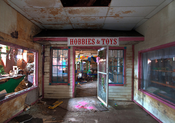 abandoned-toy-factories-6
