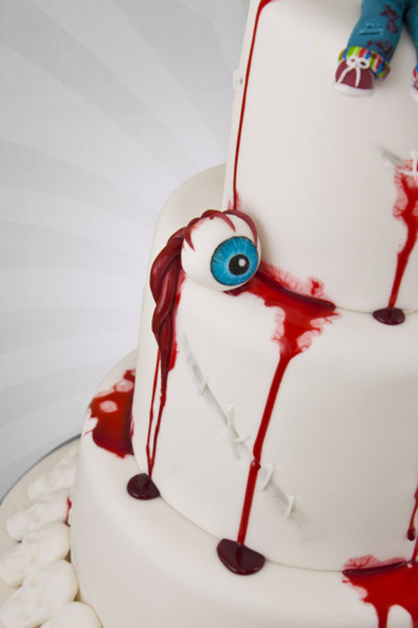 bride-of-chucky-wedding-cake-2