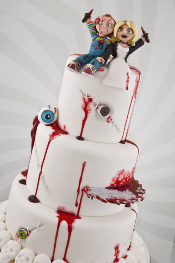 bride-of-chucky-wedding-cake-3