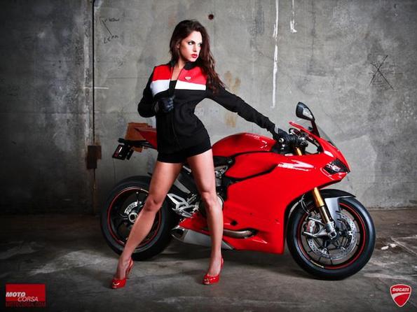 men-motorcyle-model-sexy-14