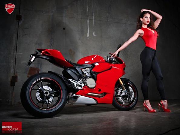 men-motorcyle-model-sexy-6