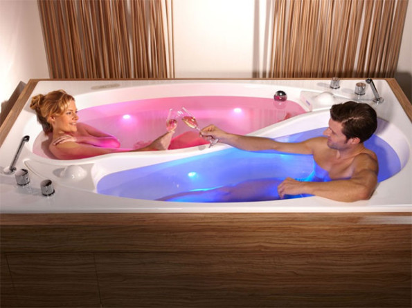 Yin-Yang Bathtub For Couples
