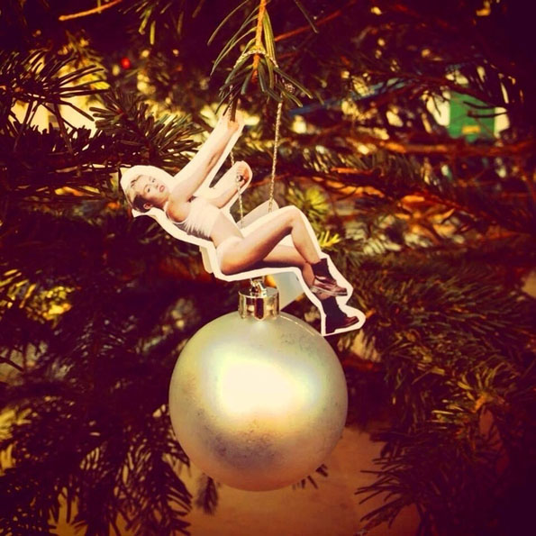 09-miley-cyrus-wrecking-ball-christmas-ornaments