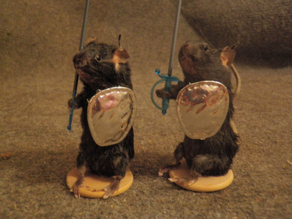 mouse-mice-taxidermy-chess-set-2