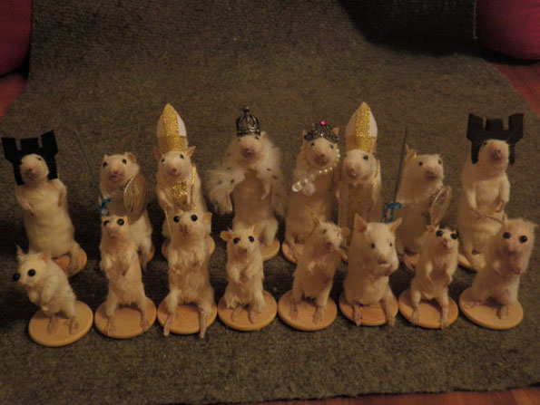 mouse-mice-taxidermy-chess-set-4