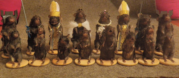 mouse-mice-taxidermy-chess-set-5