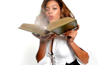 http://www.incrediblethings.com/wp-content/uploads/2014/01/beyonce-college-course-school-teacher-320x211.jpg
