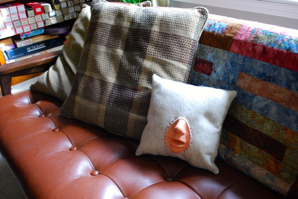 diy-make-out-pillow-4