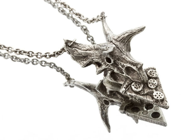 pizzasaurus-necklace-pizza-dino-2