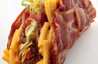 Mac & Cheese Bacon Weave Taco