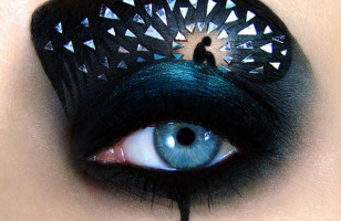 Insanely Amazing Eye Make-Up Art & More Incredible Links