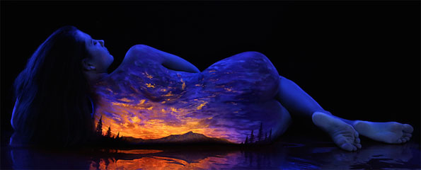 body-paint-art-black-light-3