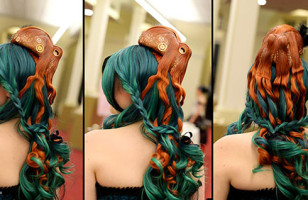 This Bad-Ass Octopus Hairpiece Is Very… Tentacular