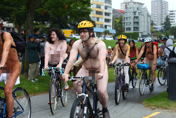 world-naked-bicycle-ride-4