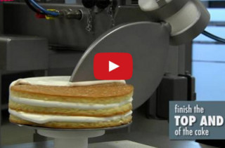 I Could Watch These Robot Cake Decorators All Day