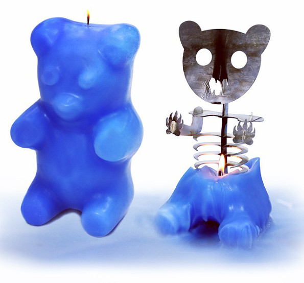 gummi-bear-skeleton-candle