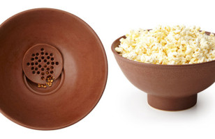 The Kernel Filtering Popcorn Bowl Makes Popcorn Eating Less Kernel-y