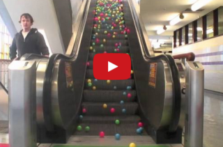 Ball Pit Balls On An Escalator Is Soooo Mesmerizing