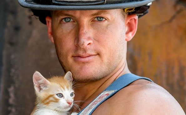 charleston-firefighters-with-puppies-calendar-12
