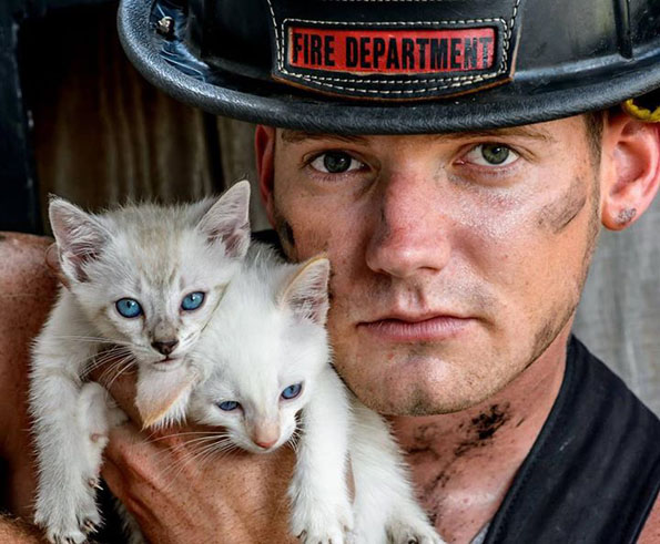 charleston-firefighters-with-puppies-calendar-7