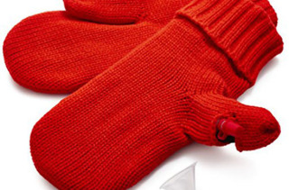 Mitten Flask Keeps You Warm And Boozy