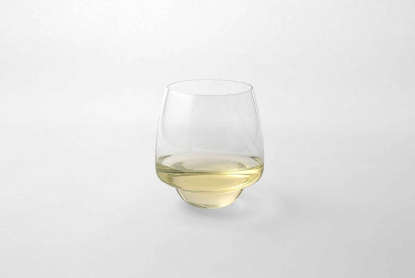 saturn-spill-proof-wine-glass-3
