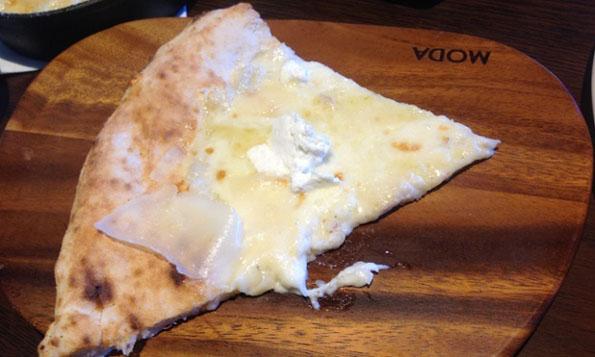 worlds-cheesiest-99-cheese-pizza-2